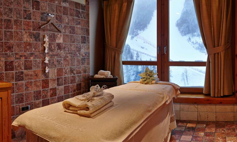 Sport Wellness Mountain Spa Cabins Massatge amb vistes a la muntanya de Grandvalira