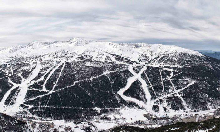 Vista Panorámica de la Estación de Esquí Soldeu El Tarter